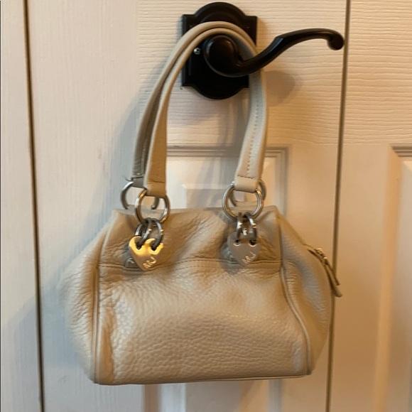 Marc Jacobs Handbags - Cream colored Marc Jacobs Purse